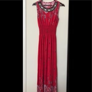 PISTACHO MAXI DRESS WITH BEADING IN THE FRONT